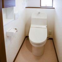 トイレのドアに外開きが多い理由