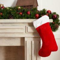 クリスマスプレゼントを靴下に入れるのはなぜ?