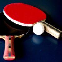 卓球のラケットが赤と黒の2色な理由