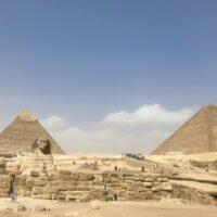 ピラミッドを建設したのは奴隷ではない