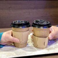 持ち帰りコーヒーカップについているあのフタの名前